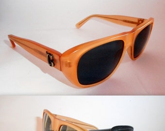e68963f146 Gianni Versace Vintage Men s Sunglasses. Model 464G. Vintage 1990s. Never  Worn. In Near Mint Condition.