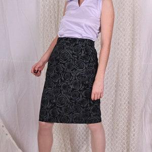 Dorothy Perkins skirt size 38 EU or 12 UK see measurement