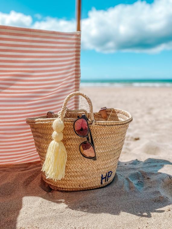 Personalised medium basket with tassel and straw handles