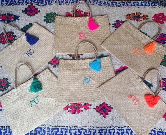 Personalised custom bespoke wool embroidered name writing Vietnam seagrass woven flat rectangular market shopping beach basket bag tassel