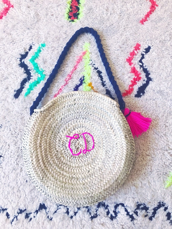 Round circular personalised custom bespoke made to order name monogram Moroccan French market shopping beach basket tassel rope handles