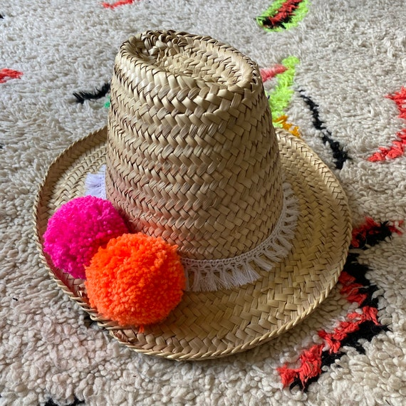 Adult women's Moroccan straw sun hat pom pom tassel trim