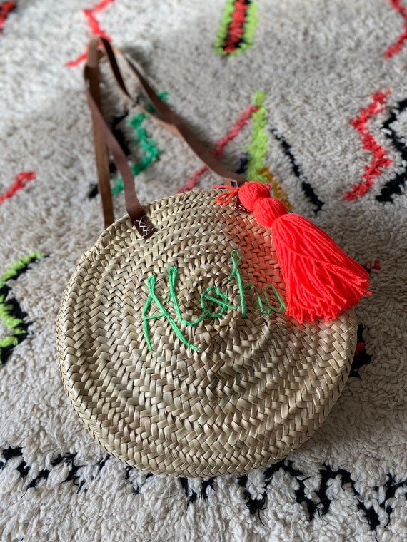 Round circular personalised custom bespoke made to order name monogram Moroccan French market shopping beach basket tassel leather handles