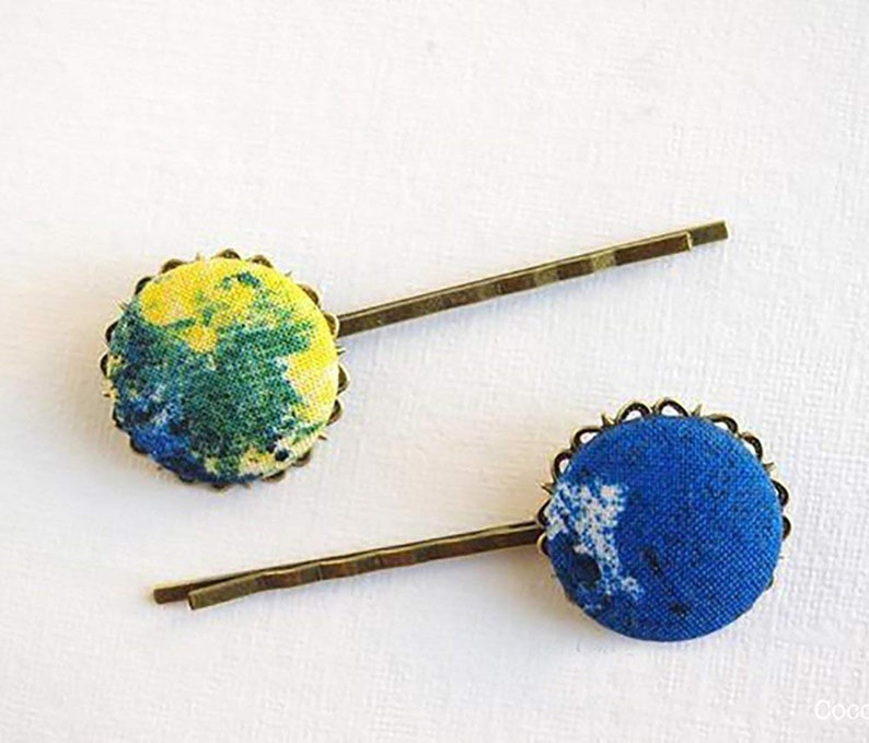 Tye die print fabric hairpin for woman Baba cool Seventies style accessories 2 tie dye bobby pins Hippie Chic hair pin Blue Green Yellow