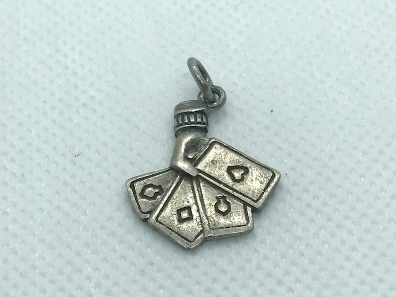 Sterling Silver Pendant Hand of Poker Craft Supplies M109 Vintage Charm Free Shipping within the USA