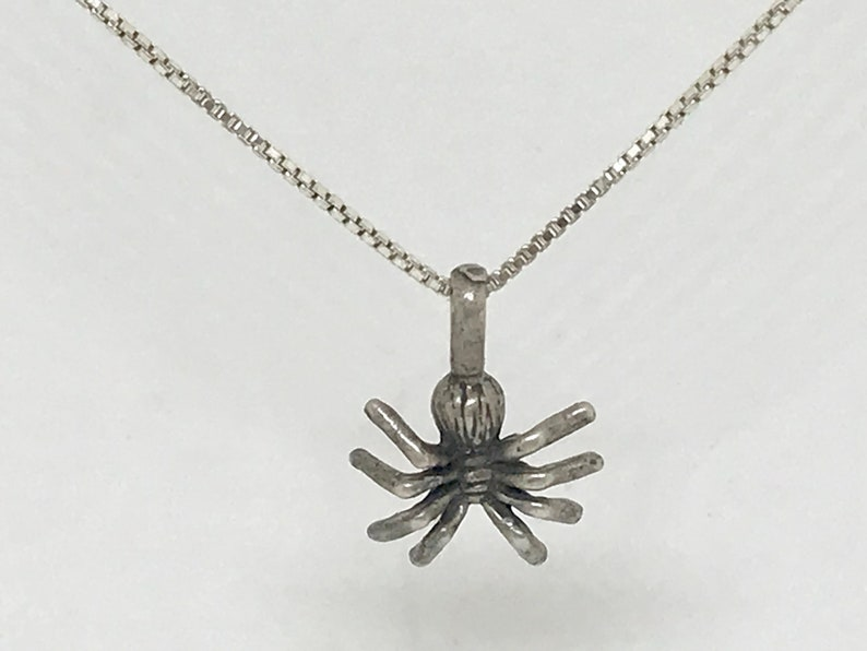 Craft Supplies Free Shipping within the USA Vintage Charm M98 Pendant Sterling Silver Spider