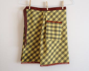 Apron with Pocket - Half Apron - Gingham - Women's Apron - Retro - Vintage Fabric - Housewarming Gift - Hostess Gift - Check