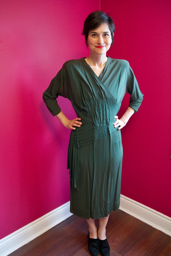 Lovely 40's green day dress *as is*