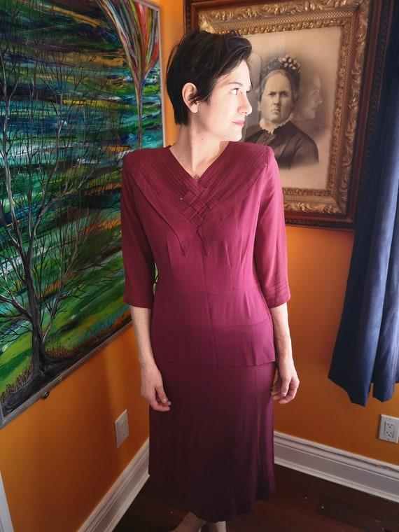 Beautiful 1940's maroon day dress