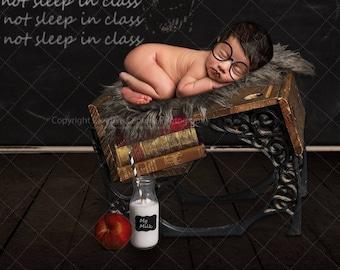 3 Newborn Digital backdrops / backgrounds / School / books / blackboard / milk bottle / apple
