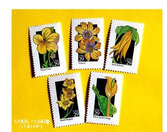 Yellow Wildflowers || Set of 25 unused vintage postage stamps