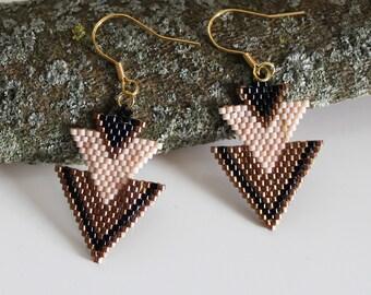 Beadwoven earrings, dangle earrings, pink earrings, old gold,