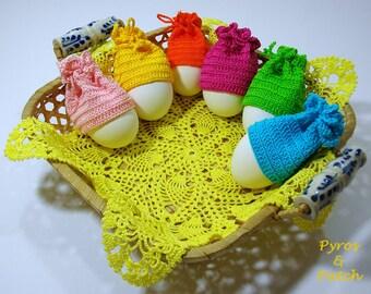 Set of 6 cotton crochet cover eggs - Copriuovo all'uncinetto vari colori , a forma di berretto.