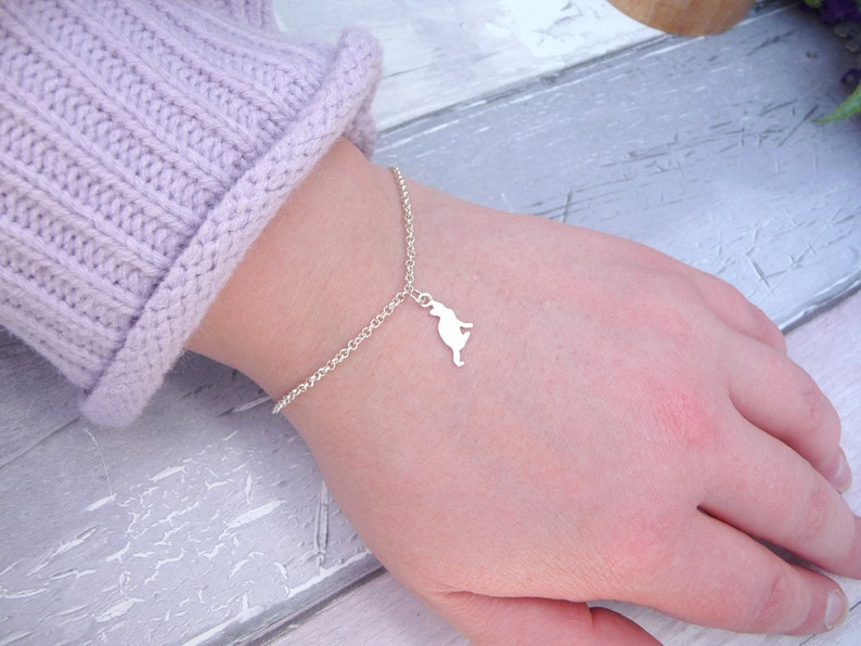 Sterling Silver Cat Jewellery Gift For Her Cat Jewellery Silver Cat Bracelet Pretty Kitty Bracelet Tiny Cat Bracelet Cat Lover Gift