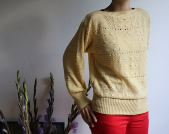 Vintage yellow knitted sweater Size S-M
