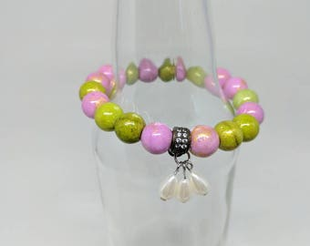 Pink and green glass beaded bracelet with pearl drops