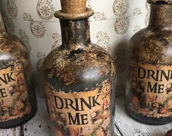 Steampunk Alice in Wonderland Bottle. Steampunk Bottle. Alice Bottle. Drink Me Bottle. Alice in Wonderland Gift. Alice in Wonderland Decor.