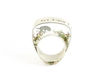Hound dog ring