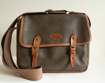 f369ba0e5766 Mulberry Messenger Shoulder Bag in Green Scotchgrain   Leather