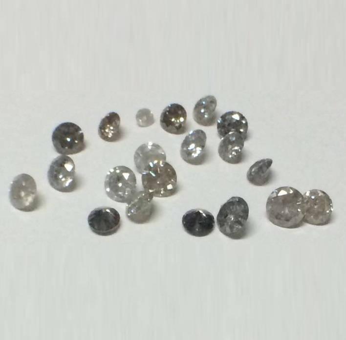 1,00 1,00 1,00 lot de ct, 1,25 mm à 1,30 mm naturel sel et poivre diamant rond brillant coupé, 90 à 100 Pcs diamant, beaucoup de diamant poli rond coupé fbc095