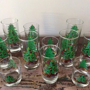 vintage 1980s anchor hocking 12 piece christmas beverage set complete set of holiday drinking glasses new and unused in box - Christmas Drinking Glasses