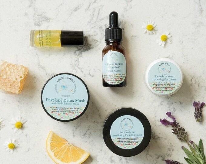 Spa Gift Set | Facial Care Set with Organic  Scrub, Face Mask, Facial Serum, Organic Eye Cream, & Eye Serum, Skincare, Gift for Her