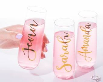 Bridesmaid gift, personalized champagne flute **PLASTIC**, bachelorette party, champagne flute, stemless wine glass, custom proposal, gold