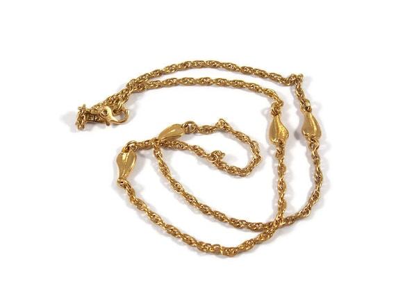 Monet Gold Tone Leaf Choker Necklace, Monet Necklace, Monet Jewelry, Leaf Necklace, Elegant necklace, Gold tone Choker, Monet Choker