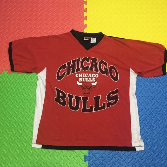 Vintage 90s Chicago Bulls V-neck T shirt