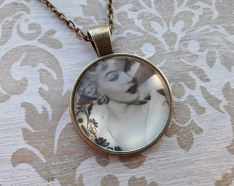 Marilyn Monroe Necklace Pendant Necklace Silver Necklace Gift for Her Mom Gift Mum Gift Best Friend Gift Necklaces for Women