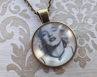 Marilyn Monroe Necklace Silver Necklace Gift for Her Mom Gift Mum Gift Best Friend Gift Necklaces for Women Pendant Necklace