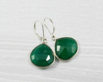Emerald Earrings, Gemstone Earrings, Minimalist Earrings, Stone Earrings, May Birthstone, Sterling Silver Earrings, Gold Jewelry, Green