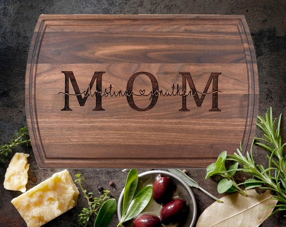 Personalized Cutting Board, Personalized Gift for Mom, Custom Gift for Mom, Mom Birthday Gift, Mothers Gift, Custom Cheese Board