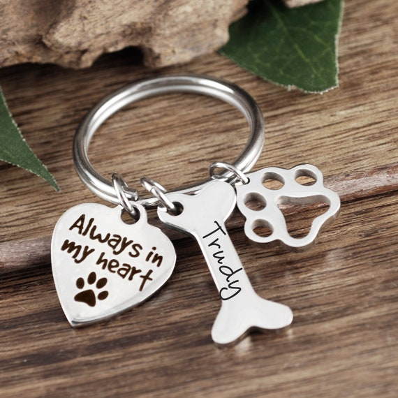 Always in my Heart, Pet Memorial Keychain, Pet loss gifts, pet bereavement gift, Pet sympathy gift, dog memorial, Personalized pet loss gift