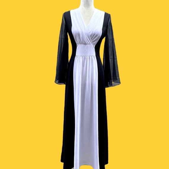 70s Bell Sleeves Black Maxi Dress