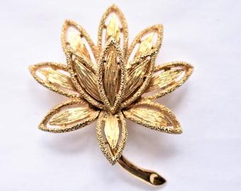 "Vintage Lotus Flower Brooch Signed Avon Textured Gold Tone Retro Boho Zen Costume Jewelry 2"""