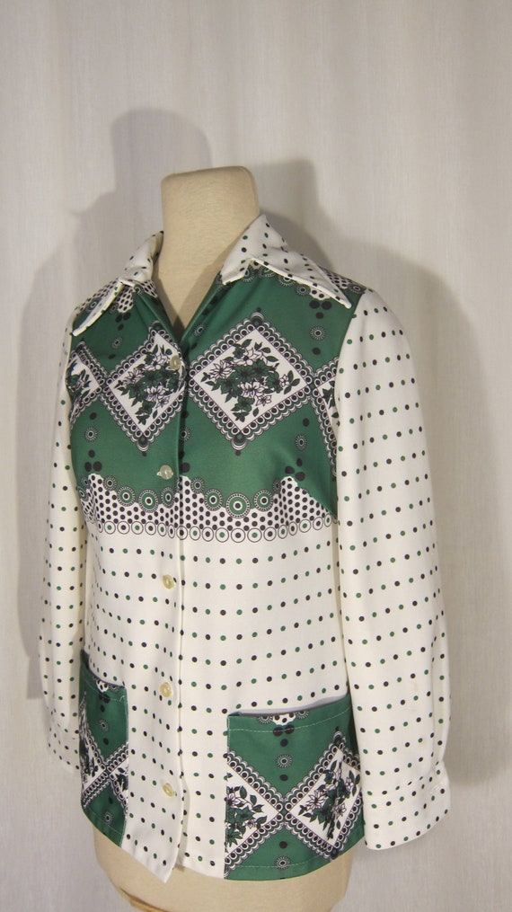 Floral patterned shirt // Annika of Bothnia // Fin