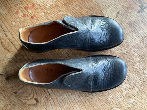 Vintage Cydwoq shoes. Hand made in the US. Size 40