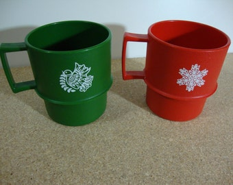 Pair of Vintage Tupperware Holiday Mugs Retro Plastic Christmas Cups Red Snowflake Green Dove