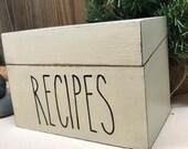 RECIPE BOX - Rae Dunn - Primitive decor - Custom wood recipe box - Personalized family recipes - 4 x 6 recipe box