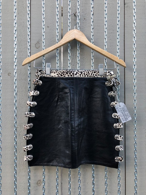 Welcome to the Jungle - 1980's Leather Biker Mini… - image 2