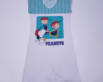 Peanuts Charlie Brown   Snoopy Schulz Playing Baseball White Long Vintage T  Shirt 582a99893