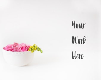 Download Free Styled Stock Photography | Styled Desktop Mockup | Minimalistic Floral Mockup | Feminine Styled Stock Mockup | Styled Mockup PSD Template