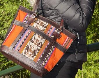 Andean handbag, rainbow-style handbag, aguayo weaving handbag, handmade leather handbag and Peruvian weaving, handbag