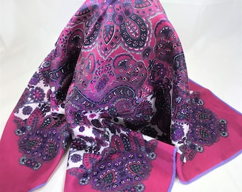 """A Beautiful Vintage  Polyester Scarf. Pink, Lilac, Purple, White, Black. 29 x 29"""""""