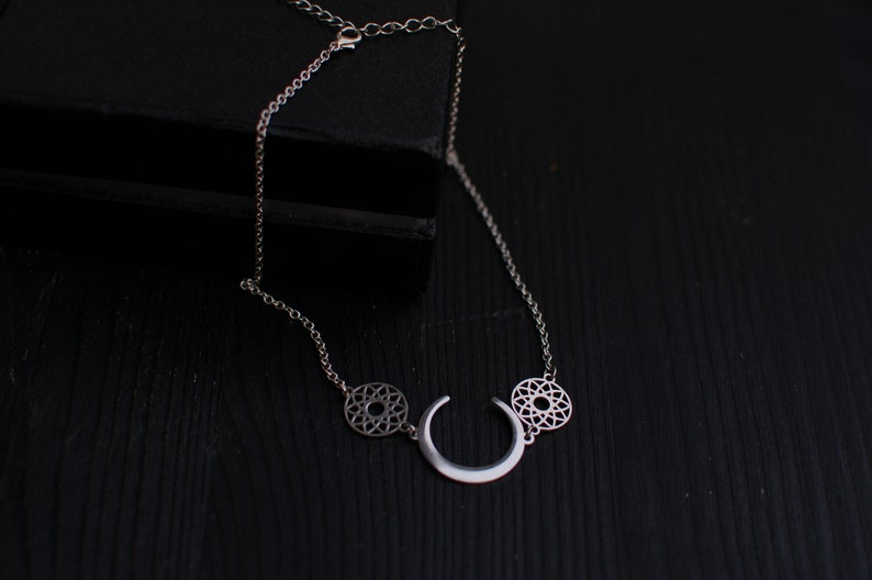 Crescent Moon choker dreamcatcher Moon Gothic Witch jewelry Wicca New goth