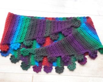 Handmade crochet baktusshawl with flower border