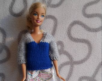 Knitted  two-colour sweater for barbie doll