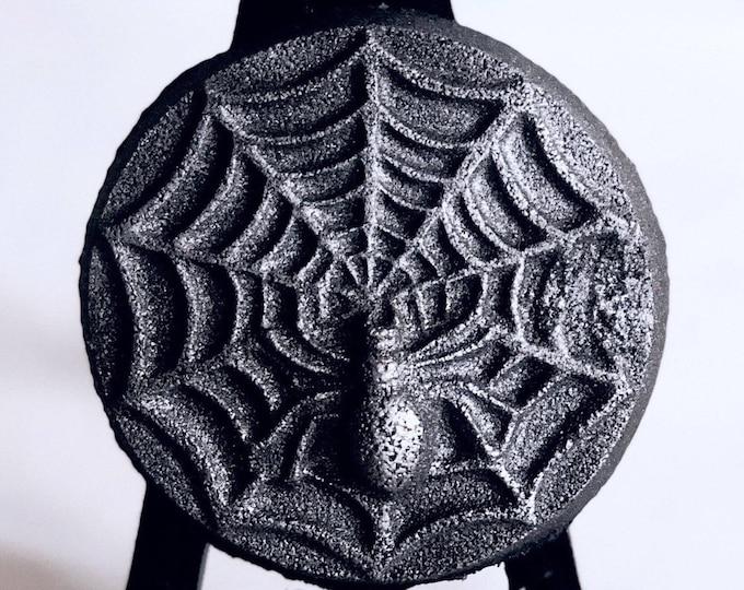 Spider Web Bath Bomb - Black Raspberry Vanilla