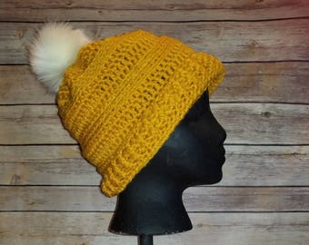 Crochet slouch hat with fur Pom pom